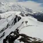 Arête noire de Pormenaz devant le Mont-Blanc